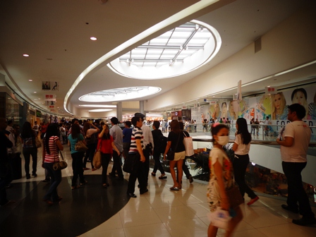 Uniqlo SM Mall of Asia Opening