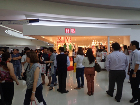 Uniqlo Philippines SM Mall of Asia